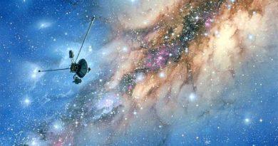 Космос и Вояджер-1