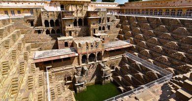 Паутина лестниц Чанд Баори. Индия