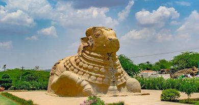 Индия. Лепакши — висящая колонна и загадочные круги.