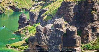Таинственный замок в Эгиле.