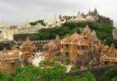 Шатрунджая — «место славы» джайнов — 4000 ступеней и 99 подъёмов.