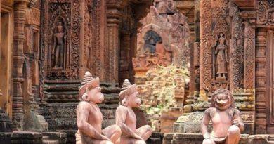 Бантеайсрей — Цитадель Красоты. Камбоджа