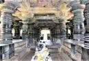 Резные колонны храма Амрутешвара. Индия
