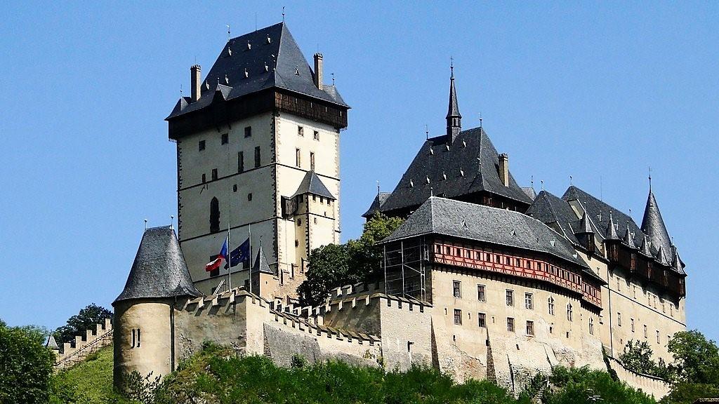 Карлштейн – готический королевский замок. Чехия