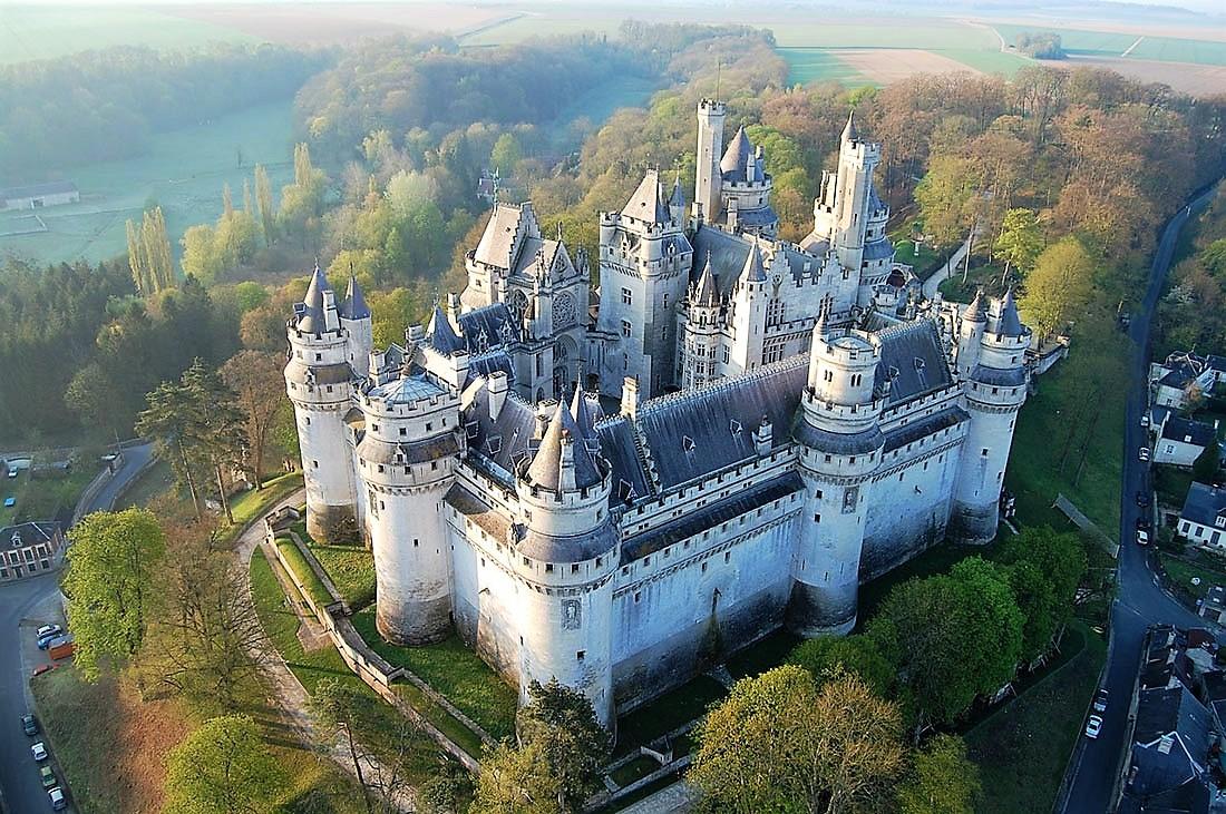 Замок Пьерфон — французский Камелот